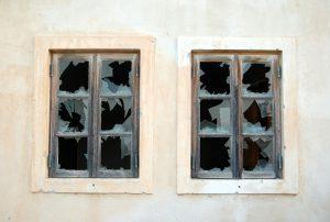incidenti con i vetri